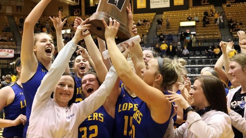UNK women's basketball hoists MIAA trophy