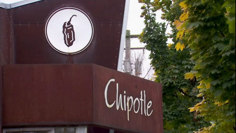 Chipotle is increasing the pay of its restaurant workers to an average of $15 per hour.