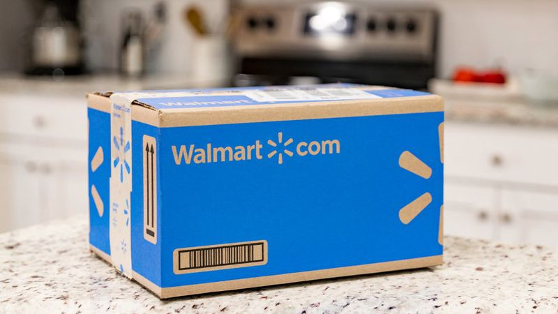 Customers can now send back items shipped and sold on Walmart.com without leaving their homes.