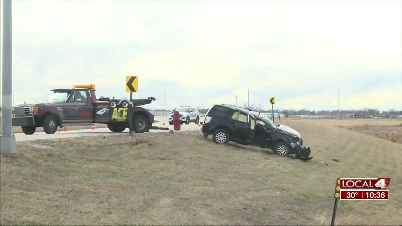 Two hospitalized after car crash in Grand Island