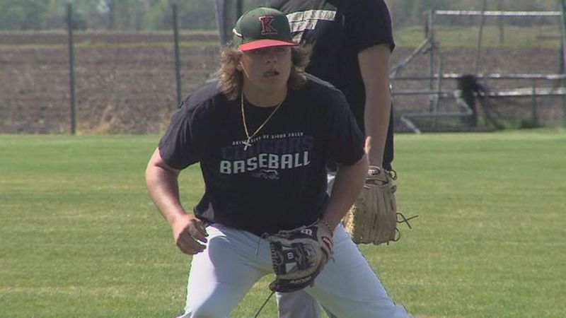 Tres Gonsior practicing ahead of Kernels district game