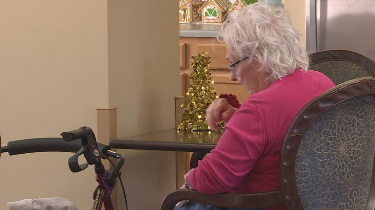 The holiday season can be a source of confusion for people dealing with dementia. Local4 looked into ways to help families make things easier for their loved ones. (KSNB)