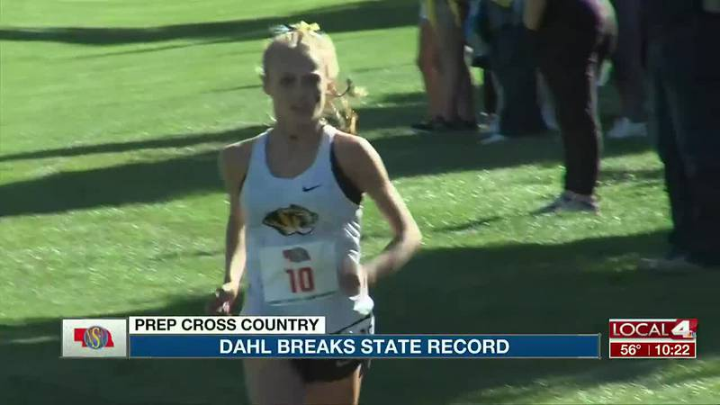 Elli Dahl wins cross country Class A State Championship.