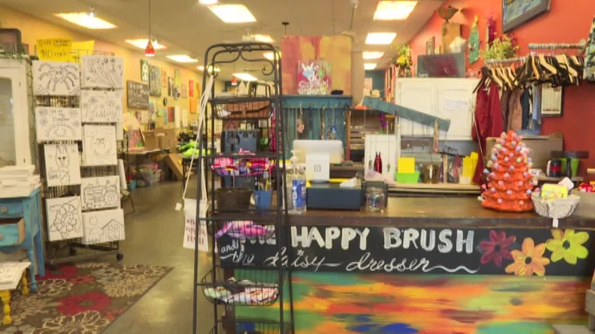 The Happy Brush and Wave Pizza Company have teamed up to deliver food and art supplies straight to your door. (Source: Kelsey Dickeson, KSNB)
