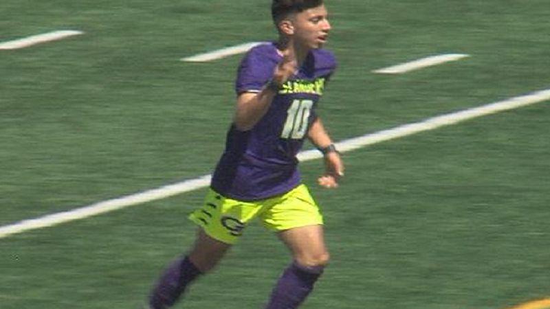 Javier Baide celebrates a goal