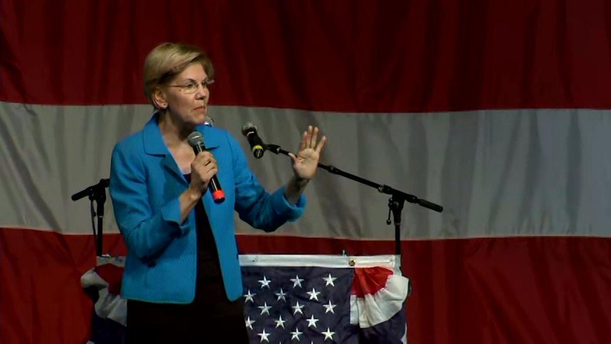 Sen. Elizabeth Warren speaks at Iowa's Wing Ding Dinner. (Source: CNN)