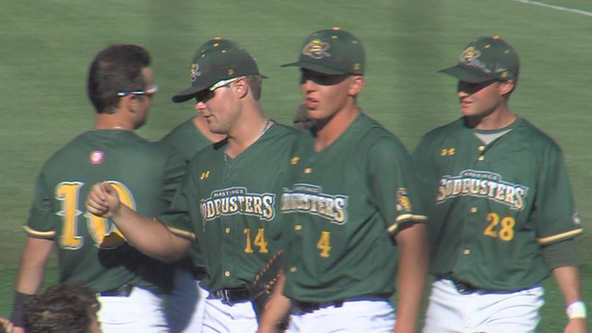 Sodbusters fall to Pioneers, 7-1