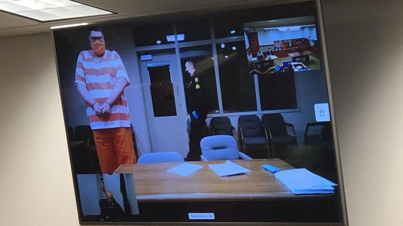 Silva appears in jail court.